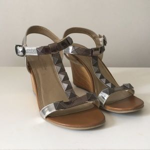 Kenneth Cole reaction wedge